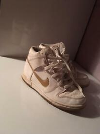 White Nike high tops Size 3