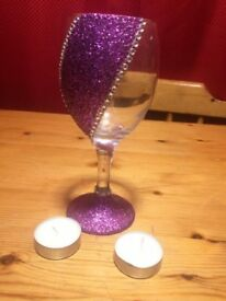 LOVELY PRETTY WINE GLASS,WITH TEALITES