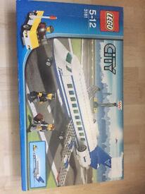 Lego 3181 passenger plane. Brand new set retired
