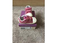 Clarks girls first shoes doodles - size 3 1/2 G