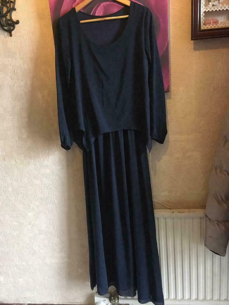 2e94db55cca Ladies long dress long sleeves size 14 used v