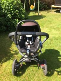 Quinny Pram with Maxi Cosi Seats