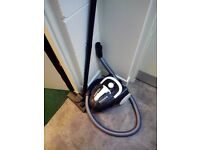 Russell Hobbs Power Cyclonic Lightweight and Compact Vacuum Cleaner