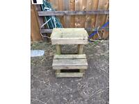 EQUESTRIAN MOUNTING BLOCK