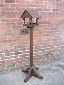NEW HANDMADE WOODEN BIRD TABLE