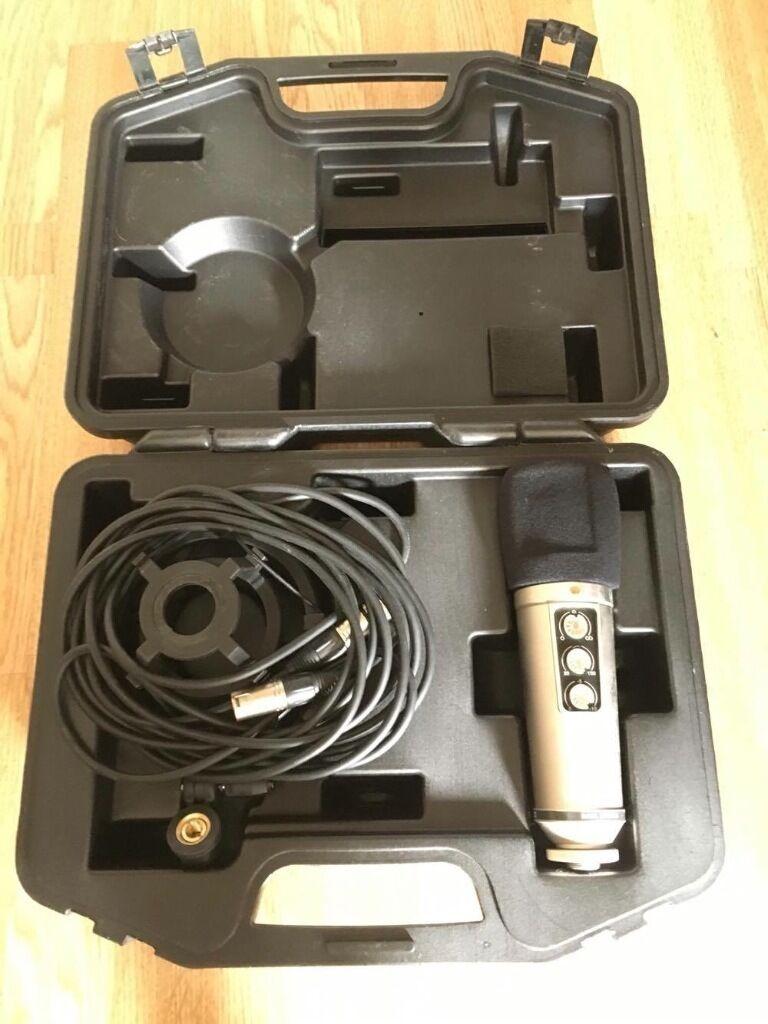Rode NT 2000 mic + Se Reflexion filter Pro + behringer ecm8000 mic + accessories