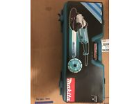 Brand new Makita angle grinder 9inch 240v with carry case