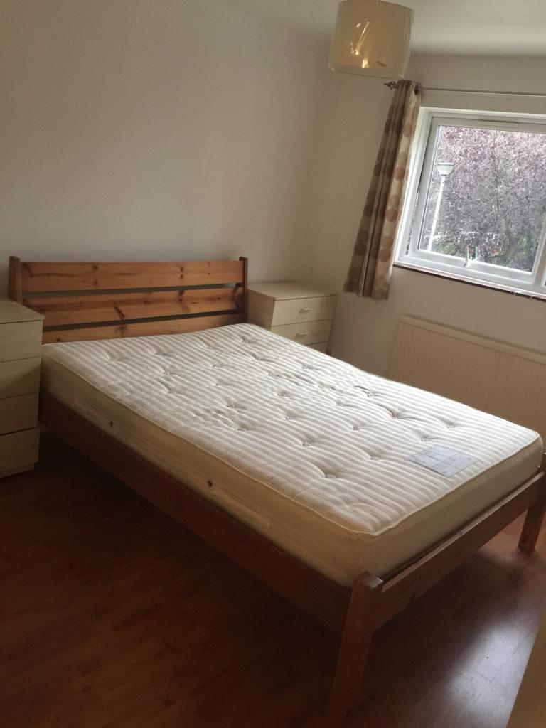Twin room and double room available in same house