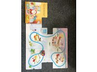 2x Christmas fold out board books