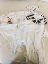 Sleepsuits up to 1 month