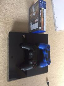 PS4 500GB & 3 Games & 2 controllers