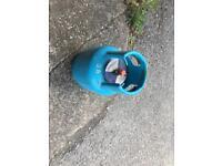 4,5kg blue gas bottle (aprox half gas in it)