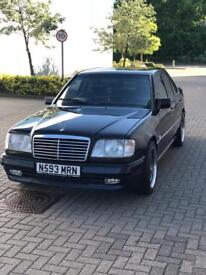 Mercedes W124 Limited Edition E220
