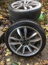 """Set of 17"""" alloy wheels with winter tyres"""