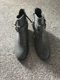Grey boots from just fab never worn size 4.5