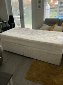 Single divan bed 2 drawers with matress