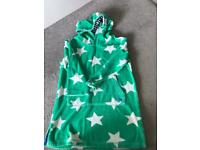 Boden towelling throw on age 5 - 6