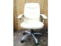 Computer chair excellent condition