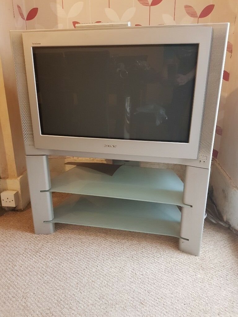 Sony 32 Inch Crt Tv With Stand Free In Coventry West Midlands