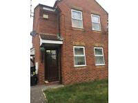 Large 2 bed flat converted house