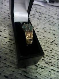 9CT GOLD EMERALD RING