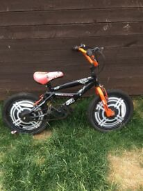 I'm selling this boys bike18 inch wheel fair condition plenty of life left in it
