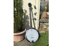 Ozark 2105G 5 string banjo, with gig bag!