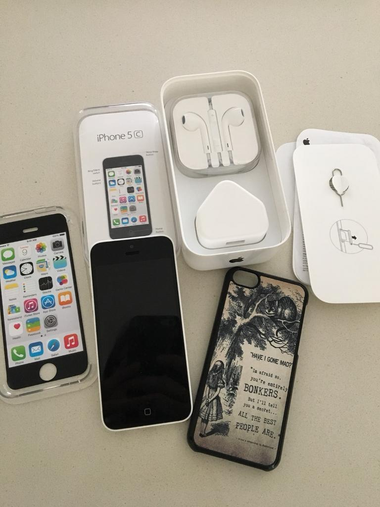 APPLE IPHONE 5C 8GB - WHITE - LOCKED TO O2 - IMMACULATE CONDITION