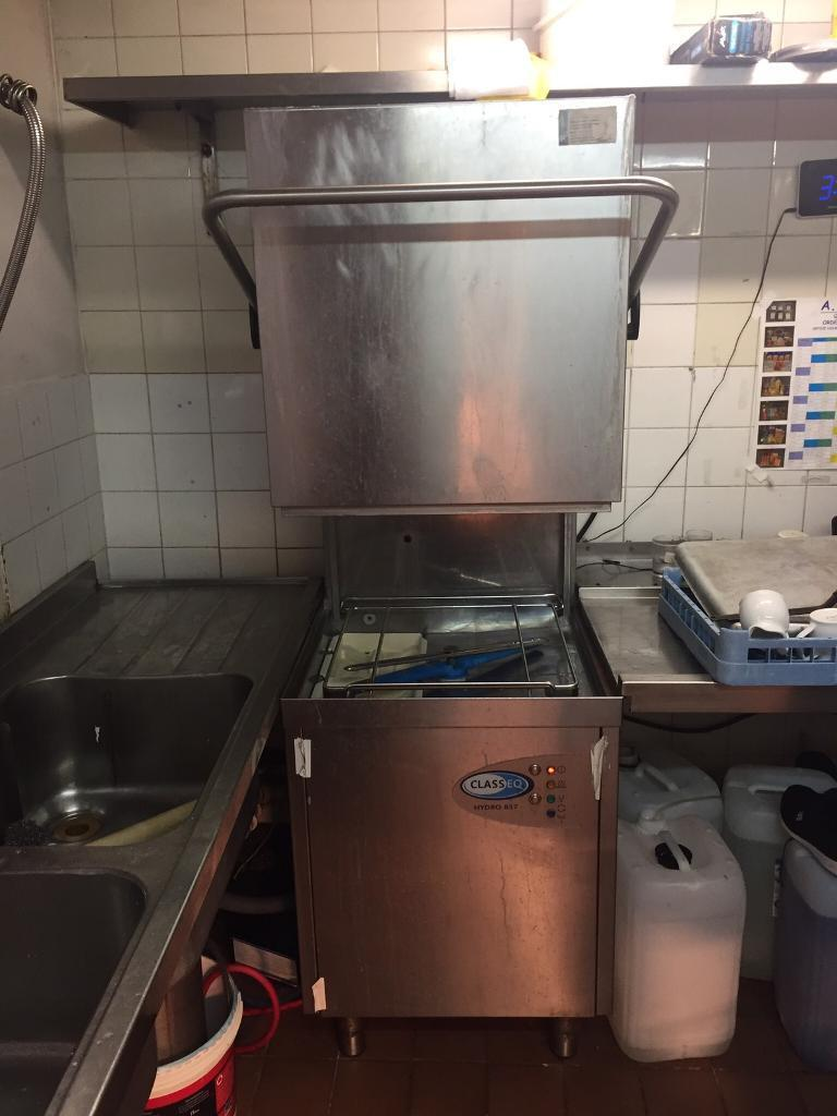 Commercial kitchen equipmentin Redditch, WorcestershireGumtree - 3f dish washer ,3f fryer,tables all used just in good conditions .Any questions pls call.Thanks