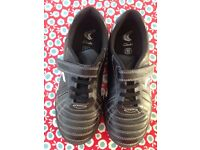 Clarks black trainers 2.5 E junior - barely worn