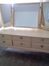 Nice stag minstrel dressing table, £100