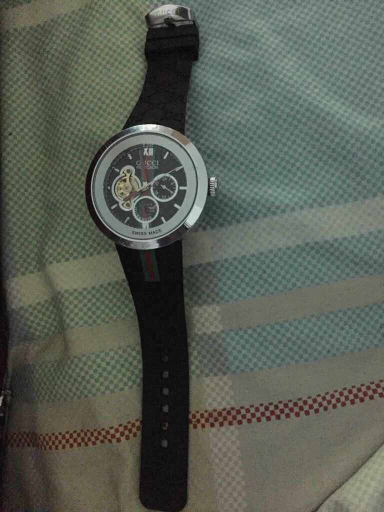 ba2c0e2a3 GUCCI PANTCOAN WATCH SERIAL  11912656