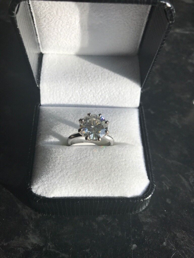 diamond solitaire 3 82ct ring set in white platinum with 8 claw