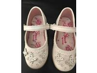 Girls white butterfly shoes. Size 7