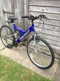 Mountain bike 26 inch wheels 19 1/2 inch frame 18 speed this is the bigger frame so about 6 foot