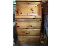 Small pine bureau (desk)