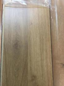 Manhattan X25 Packs Laminate Flooring Oak 7MM 2.20M Per Pack 55M2 Coverage