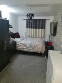 Urgent 1 bed swap with a 2 or 3 bed willing to pay £1000
