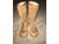 Ugg boots size 5 tall