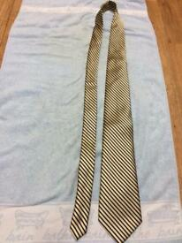 U.S.POLO ASSN. mens tie 100% pure silk yellow with black diagonal stripes. VGC