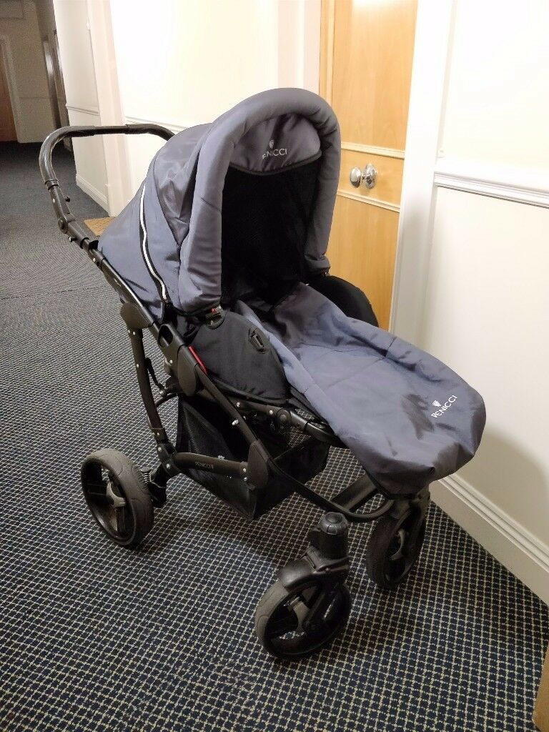 Venicci Viva Pram (Pushchair & Carrycot) - Used/Old in great condition, very durable