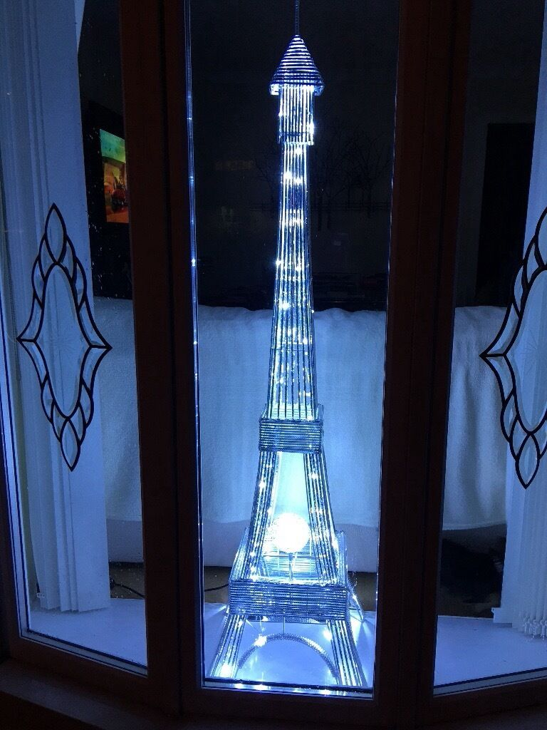 Eiffel Tower LED Light 5ft Tall - Eiffel Tower LED Light 5ft Tall In Motherwell, North Lanarkshire
