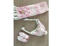 Disney Rapunzel hat, scarf and gloves set aged 2-4 years