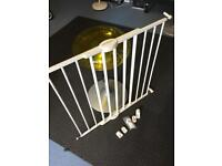 Lindam child/baby gate