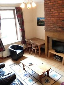 Spacious loft room in Heaton. Available Now.