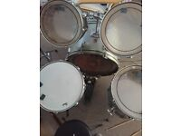 5 piece royale drum kit in green with high hat , crash and ride cymbals
