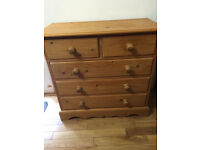 Lovely solid pine chest of drawers, great quality, vgc