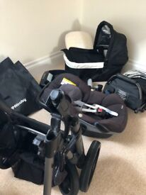 UppaBaby VISTA , bassinet, maxi cosi pebble and base, toddler seat and adaptors and covers!
