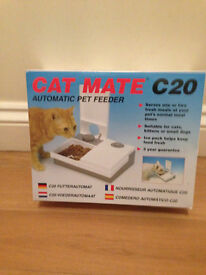 Cat Mate C20 Double Feeder with Ice pack £15