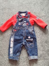 Dungarees and sweat top 6mths